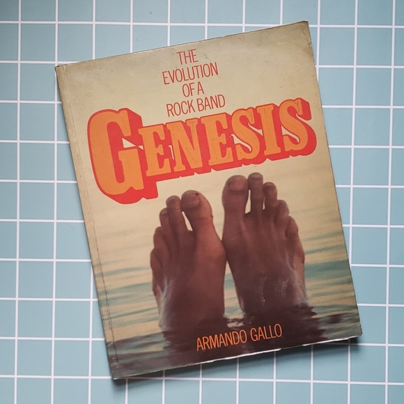 Vintage Genesis: The evolution of a rock band Book